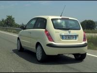lancia-ypsilon-a19