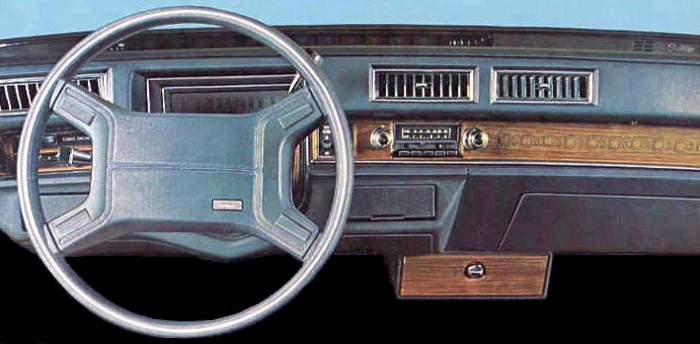 cadillac_1974_acrs_instrument_panel_blue
